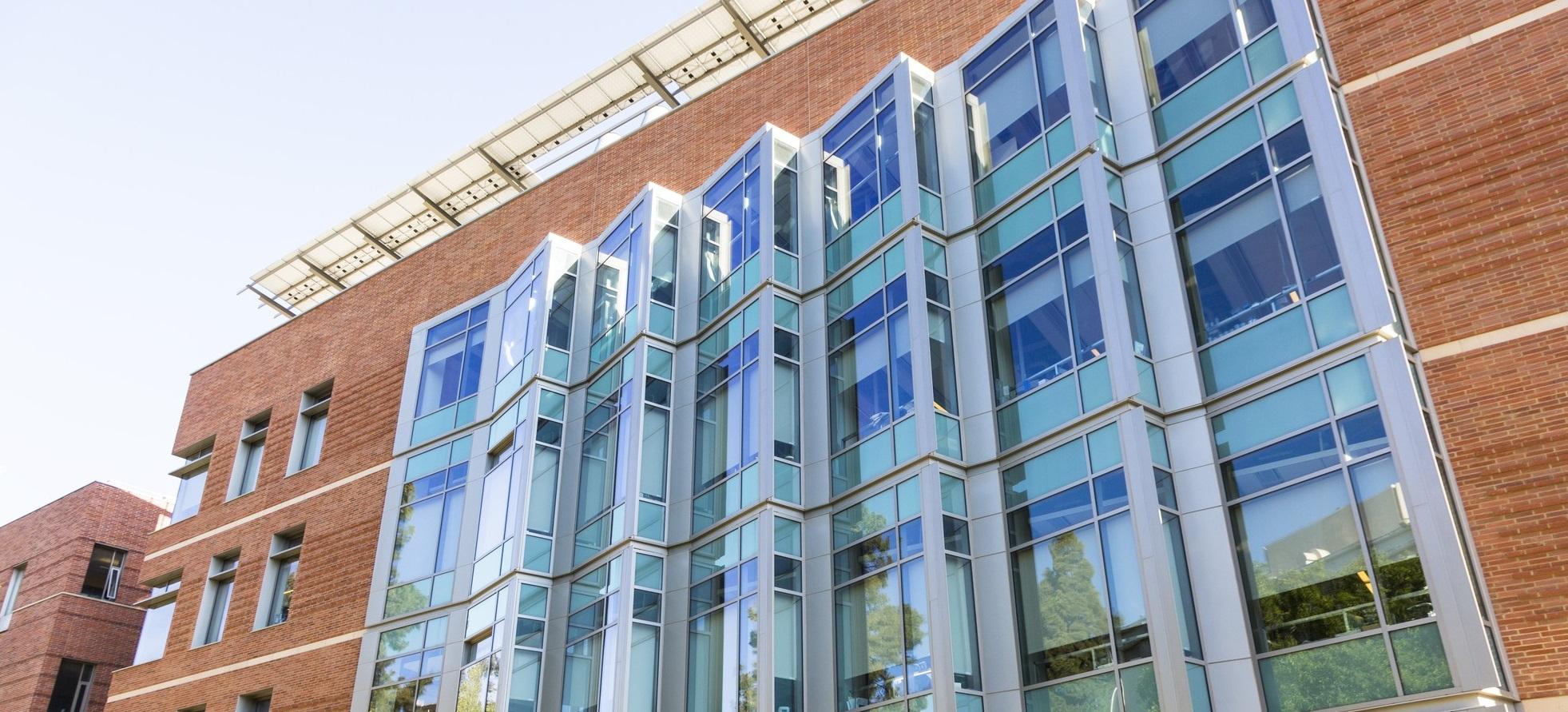 Windows of UCLA Engineering 6 Building, from outside. Derek Yan/Daily Bruin
